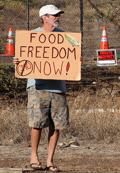416px-Occupy_Wall_Street_Maui_at_Monsanto_2